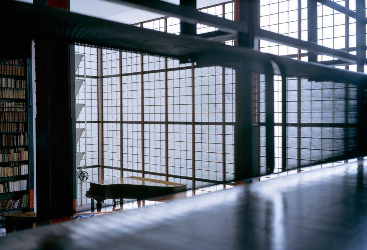 Glass-house-maison-de-verre-François-Halard-007