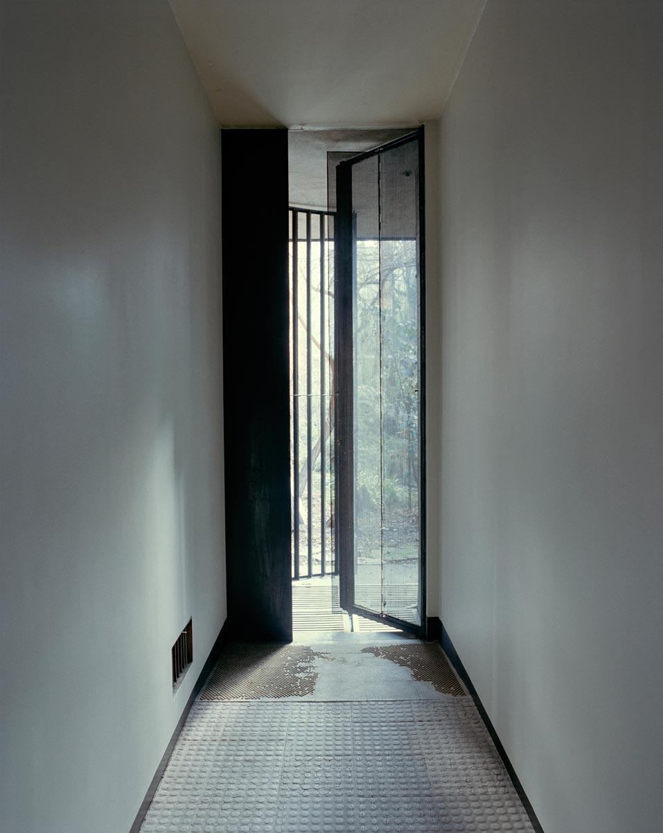 Glass-house-maison-de-verre-François-Halard-011